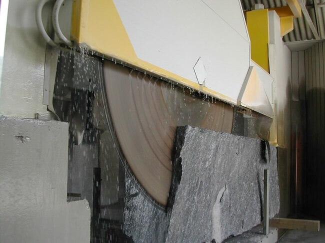 Utensili diamantati per taglio di marmo granito e agglomerati Diamant Domo
